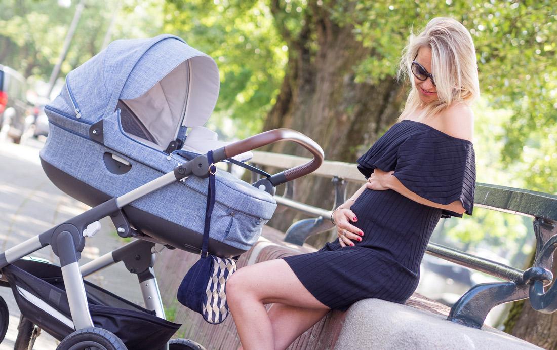 Bag-at-you---25-weeks-pregnant